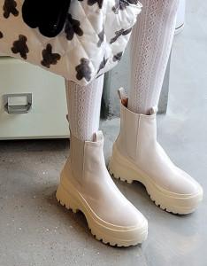 [R] Rowky Molded short boots 1pcs