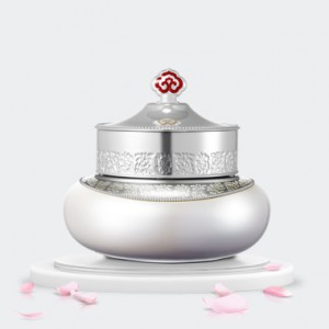 The history of Whoo Gongjinhyang:Seol Whitening & Mositure Glow Cream SPF30/PA++ 50ml