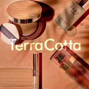 HolikaHolika Hard Cover TerraCotta Edition Perfecting Foundation SPF50+ PA++++