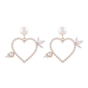 Noonoo fingers Arrow Pearl Earring