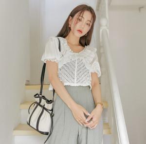 [R] Common Unique frill trim crochet cropped blouse 1pcs
