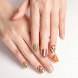 [R] Dashing Diva Nail Strip 5 items 7 pcs and 1 serum