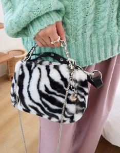[R] Rowky studs strap fur bag 1pcs